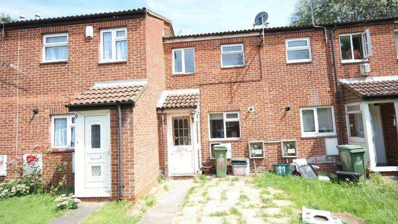 2 Bedrooms Terraced House for sale in Kingfisher Close, North Thamesmead, SE28 8ES