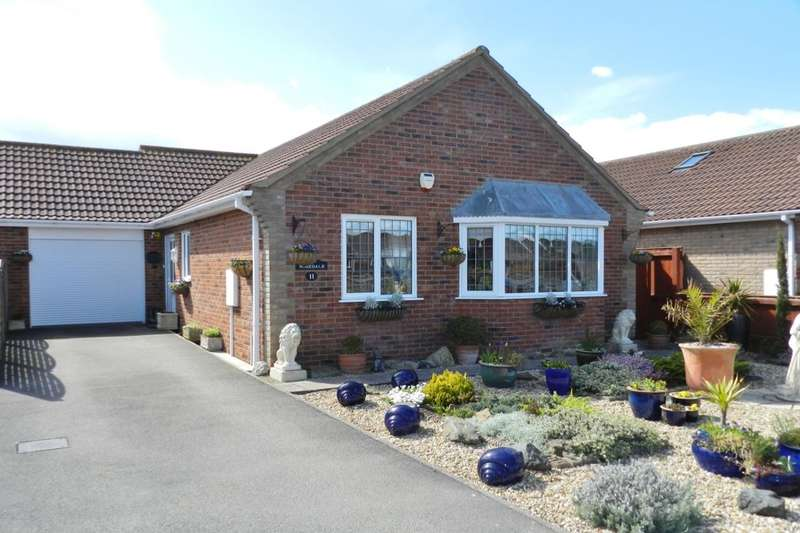 2 Bedrooms Bungalow for sale in Barton Close, Trusthorpe, Mablethorpe, LN12