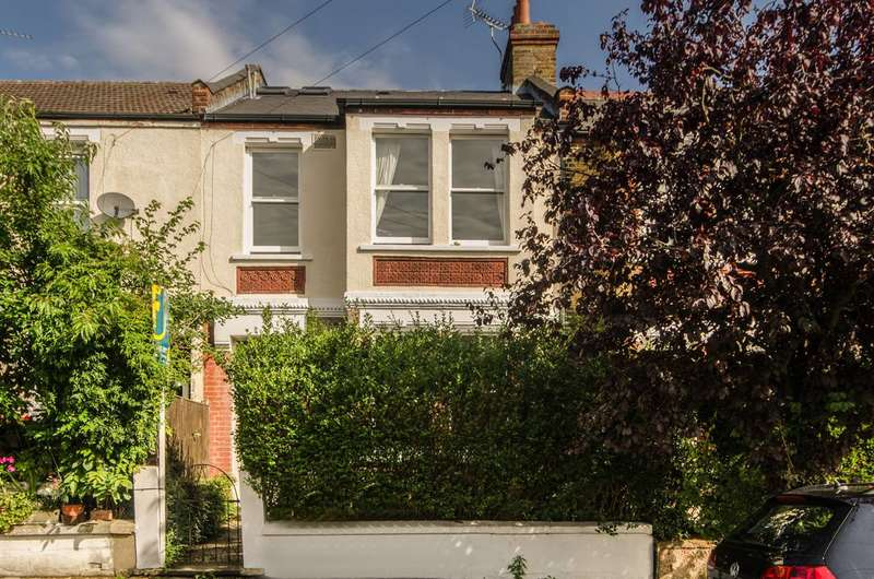 4 Bedrooms House for sale in Cowdrey Road, South Park Gardens, SW19