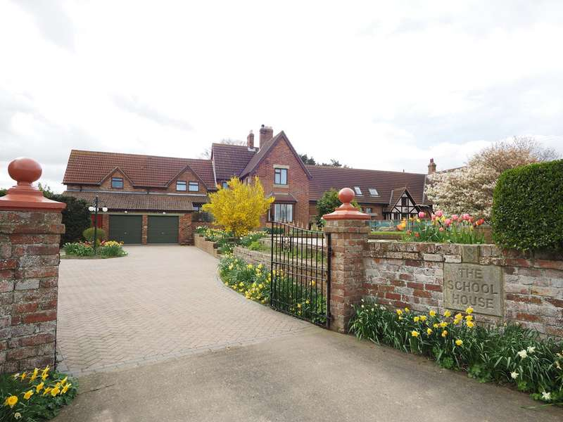 4 Bedrooms Detached House for sale in Kiltonthorpe TS12