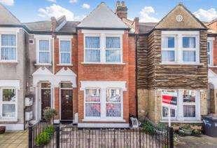 3 Bedrooms Terraced House for sale in Torridon Road, Catford, London, Uk