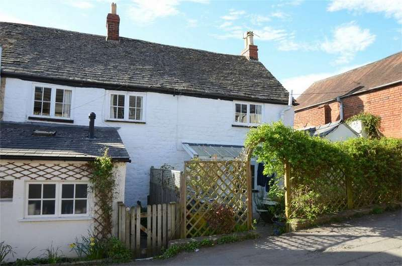 3 Bedrooms Semi Detached House for sale in Lower Street, Stroud, Gloucestershire