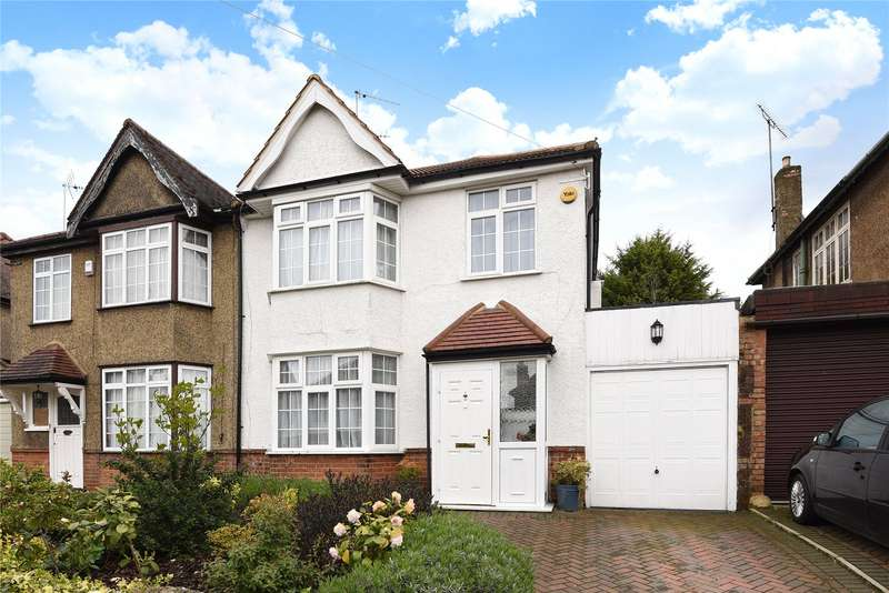 3 Bedrooms Semi Detached House for sale in Ridgeview Road, Whetstone