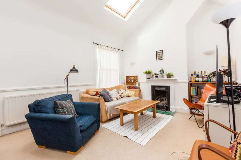 2 Bedrooms Flat for sale in Bavent Road, Camberwell, SE5
