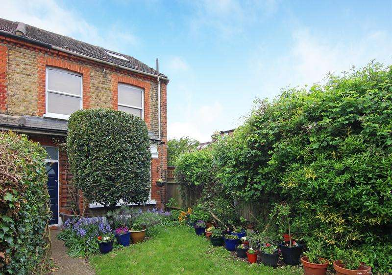 3 Bedrooms House for sale in Enfield Road, Brentford