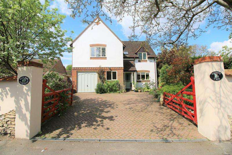 4 Bedrooms Detached House for sale in Haddenham
