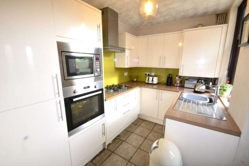 3 Bedrooms Property for sale in Longcauseway, Farnworth, Bolton, BL4
