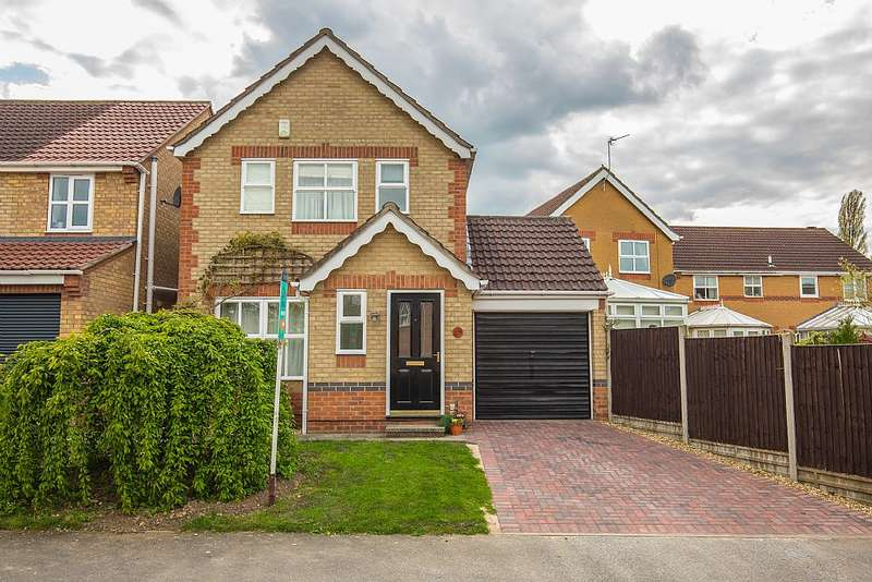 3 Bedrooms Detached House for sale in 49, Curtis Drive, Heighington, LINCOLN, Lincolnshire, LN4 1GF