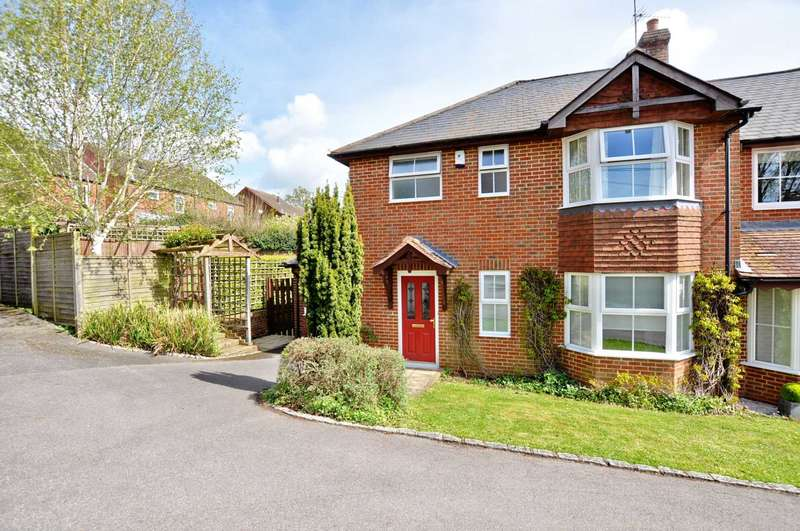 3 Bedrooms Semi Detached House for sale in Lane End