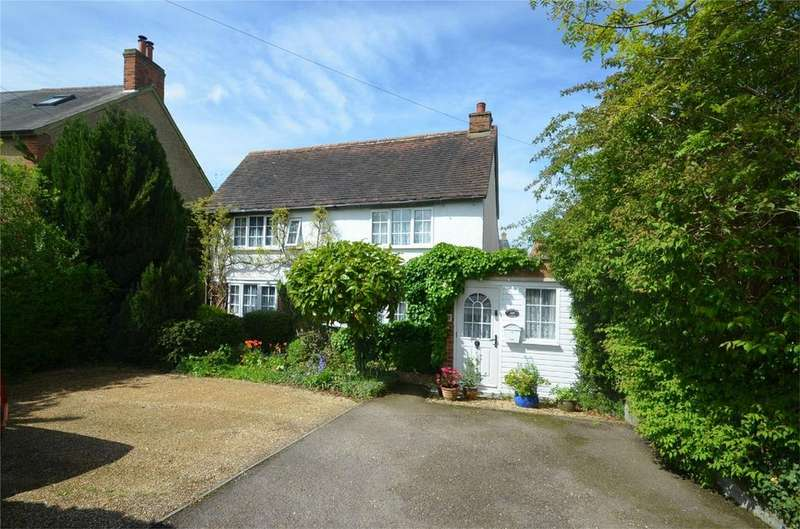 3 Bedrooms Detached House for sale in High Street, HENLOW, Bedfordshire