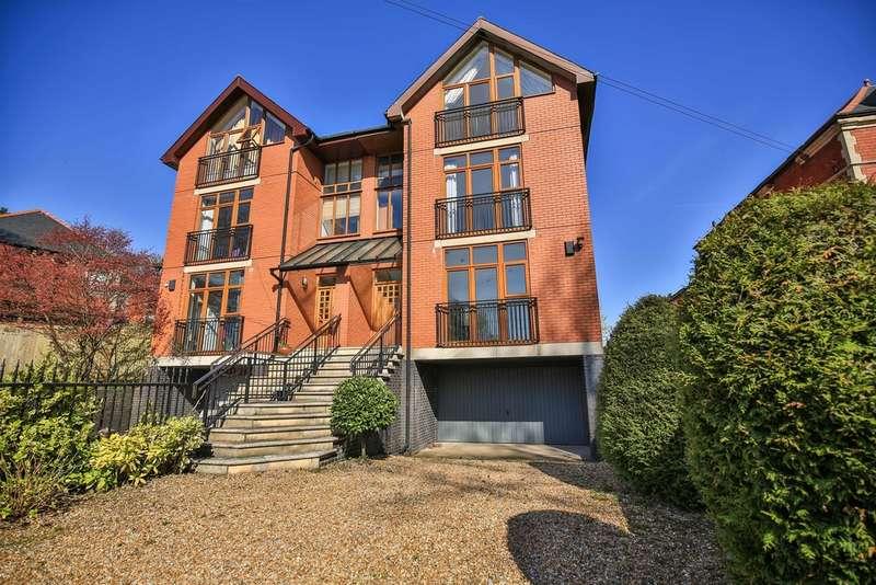 5 Bedrooms Semi Detached House for sale in Lisvane Road, Lisvane, Cardiff