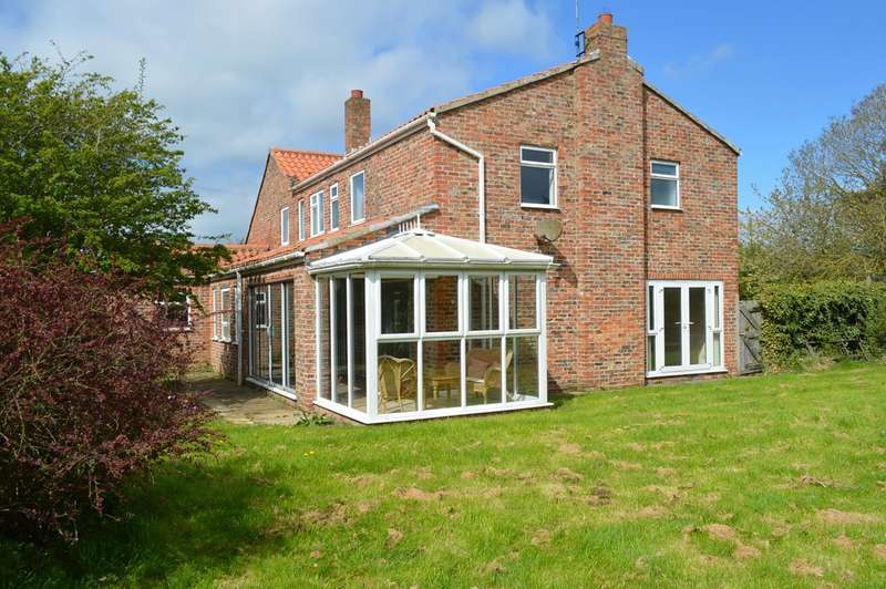 5 Bedrooms Detached House for sale in Atwick Road, Hornsea, HU18