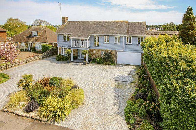 7 Bedrooms Detached House for sale in Ham Manor, Angmering