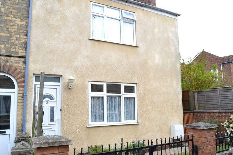3 Bedrooms Semi Detached House for sale in Cromford Street, Gainsborough, Lincolnshire, DN21