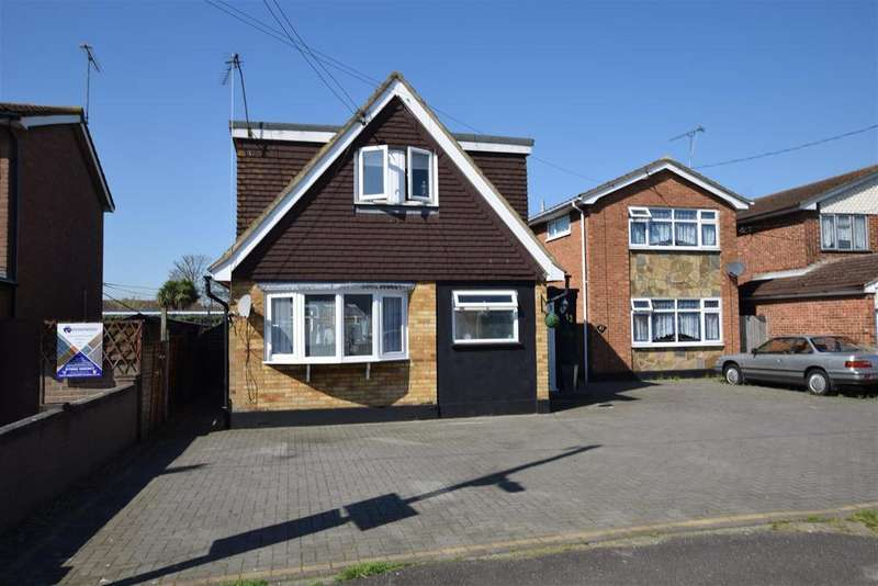 3 Bedrooms Chalet House for sale in Foster Road, Canvey Island
