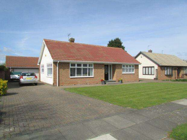 2 Bedrooms Detached Bungalow for sale in HYLTON ROAD, WEST PARK, HARTLEPOOL