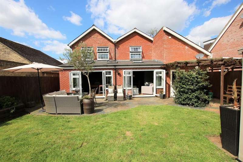 4 Bedrooms Detached House for sale in Gorley Road, Ringwood, BH24