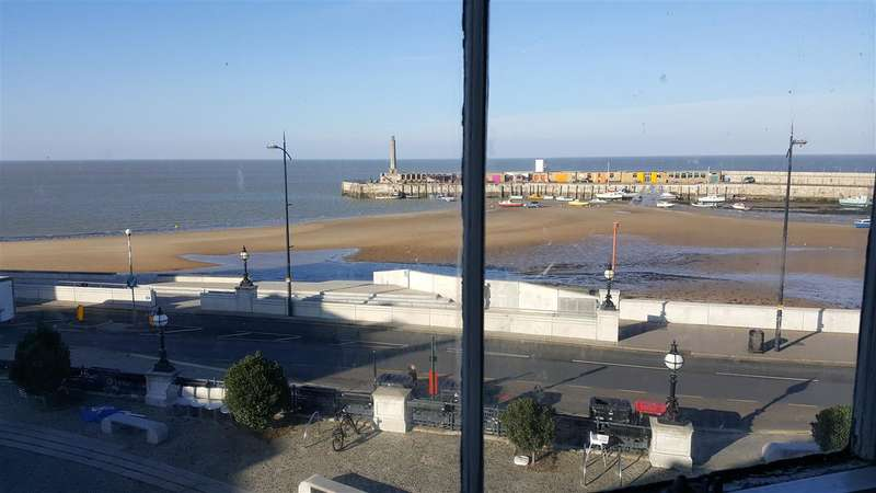 3 Bedrooms Maisonette Flat for sale in The Parade, Margate