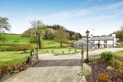 3 Bedrooms Equestrian Facility Character Property for sale in Mount, Bodmin, Cornwall