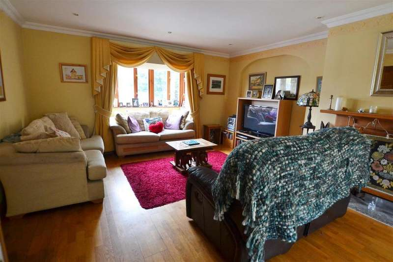 5 Bedrooms Detached House for sale in Valley Road, Saundersfoot