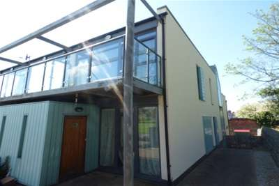 3 Bedrooms Mews House for rent in North Sudley Road, L17 6BT