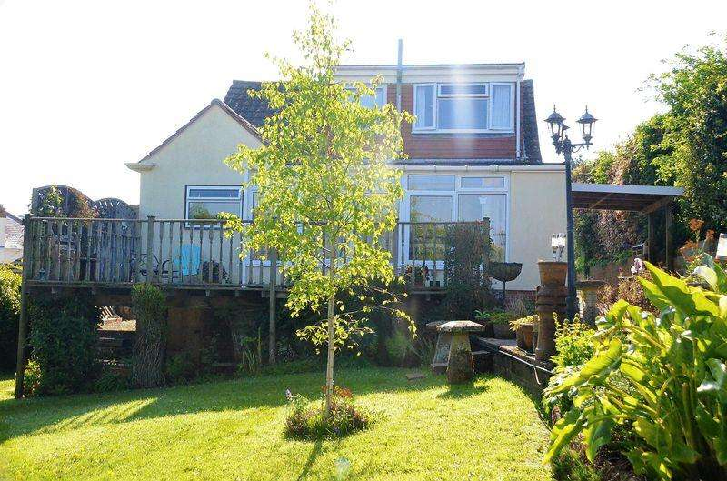 4 Bedrooms Bungalow for sale in DURLEIGH ROAD, BRIXHAM