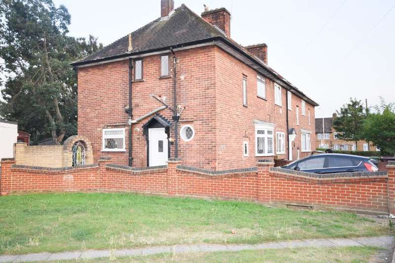 3 Bedrooms Semi Detached House for rent in Lindsey Road, Dagenham, Essex, RM8 2RP