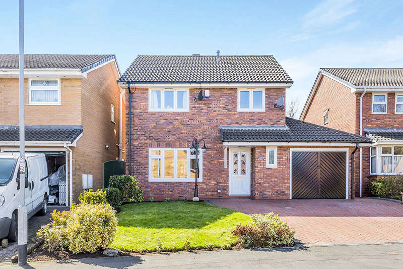 4 Bedrooms Detached House for sale in Scrimshaw Drive, Stoke-On-Trent, ST6