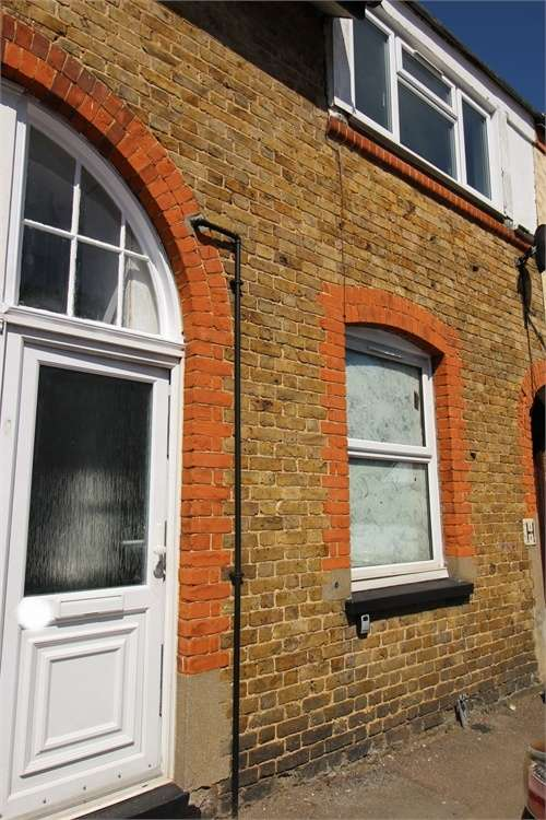 3 Bedrooms Terraced House for rent in Swanfield Road, Waltham Cross, Hertfordshire