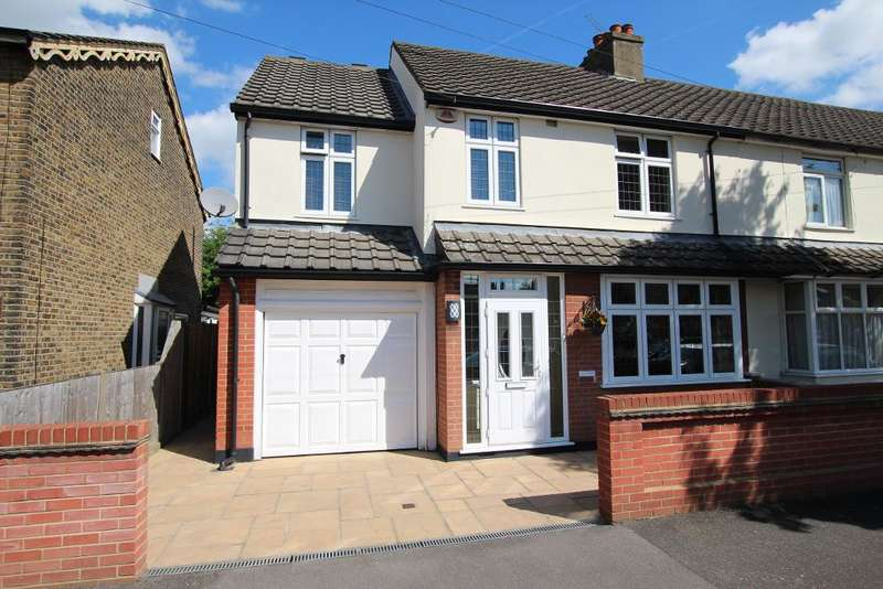 4 Bedrooms Semi Detached House for sale in Birkbeck Road, Rush Green, Romford, Essex, RM7 0DP