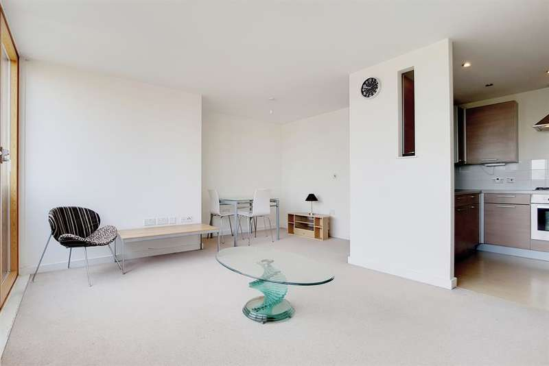 2 Bedrooms Flat for sale in Gwen Morris House, Wyndham Road, SE5 0AD