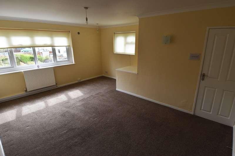3 Bedrooms Maisonette Flat for rent in Hillmeads Road, Kings Norton, Birmingham, B38