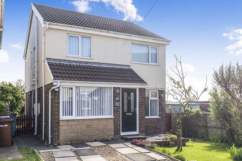 4 Bedrooms Detached House for sale in Mountbatten Way, Millom, LA18