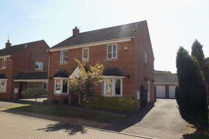 4 Bedrooms Detached House for sale in Crystal Drive, Peterborough, Cambridgeshire
