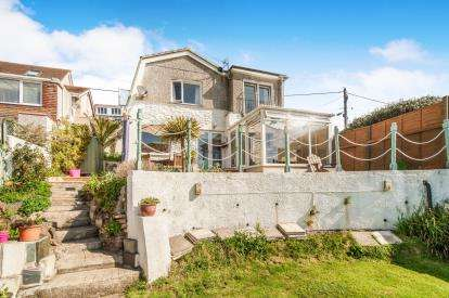 3 Bedrooms Detached House for sale in Heybrook Bay, Plymouth, Devon