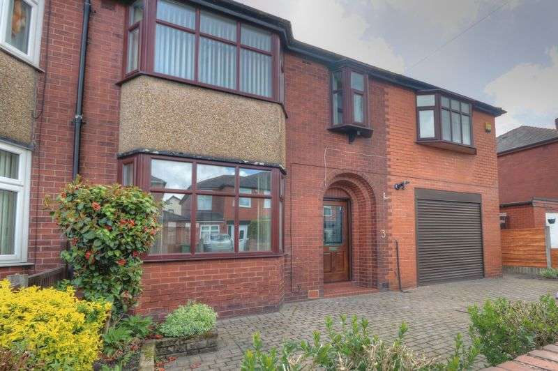 5 Bedrooms Property for sale in Woodland Avenue, Bolton