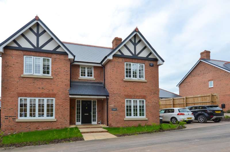 5 Bedrooms Detached House for sale in Butterwick Close, Barnt Green, Birmingham, B45