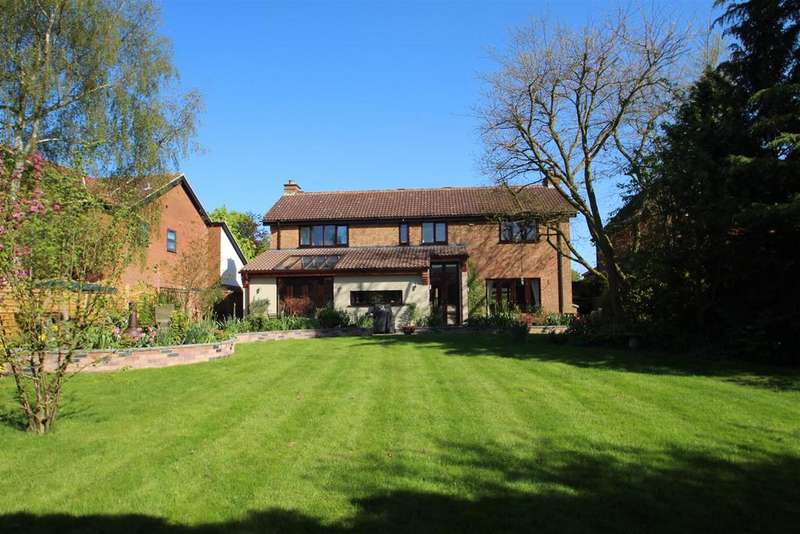 4 Bedrooms Detached House for sale in Stony Stratford