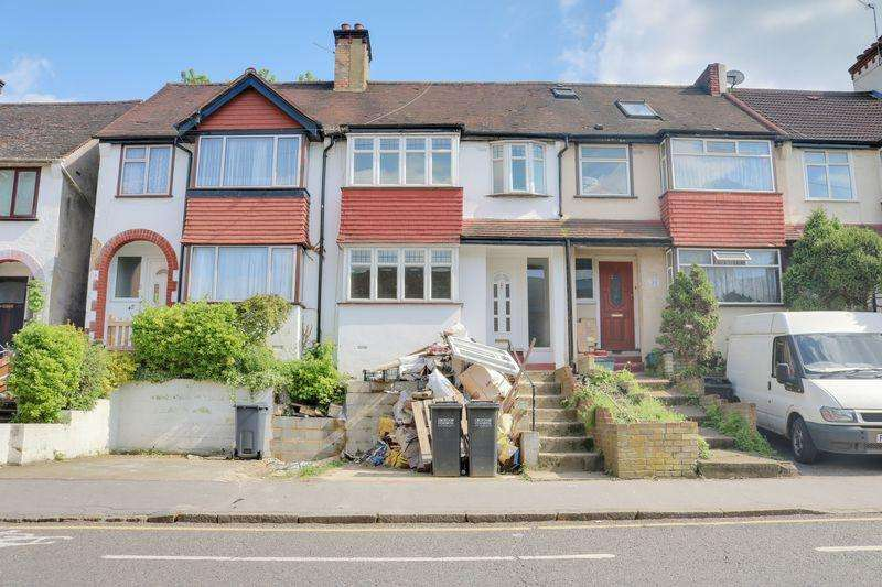 3 Bedrooms Terraced House for rent in Whytecliffe Road South, Purley