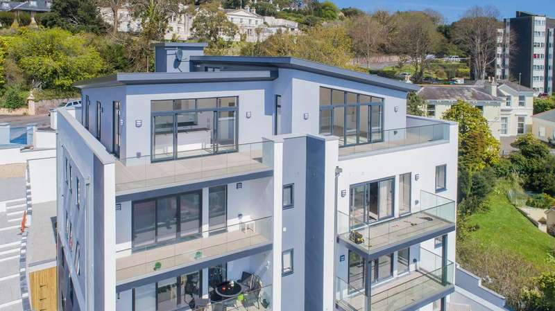3 Bedrooms Penthouse Flat for sale in The Warberries, Torquay