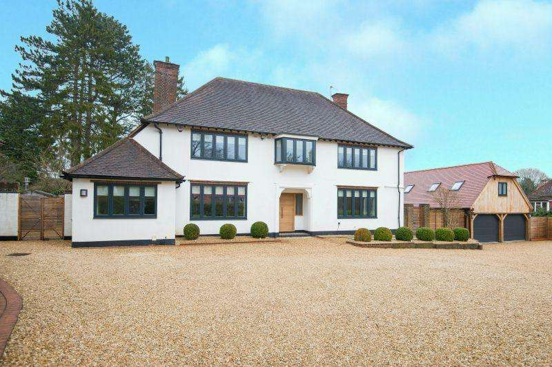 5 Bedrooms Detached House for sale in Burtons Way, Chalfont St Giles