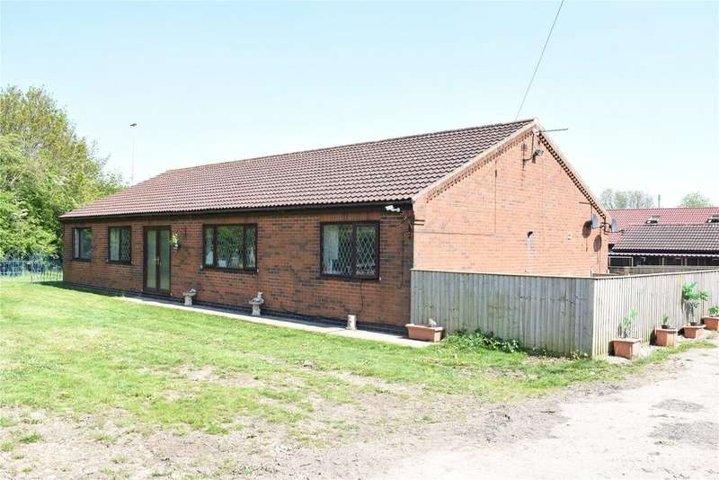 4 Bedrooms Equestrian Facility Character Property for sale in Humber Road, South Killingholme, Lincolnshire, DN40