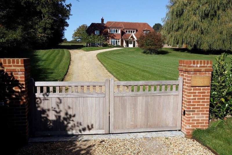 6 Bedrooms Detached House for sale in Common Road, Headley, Thatcham, RG19
