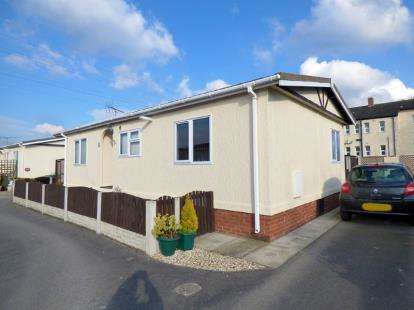 2 Bedrooms Mobile Home for sale in Willow Brook, Station Road, Sandycroft, Deeside, CH5