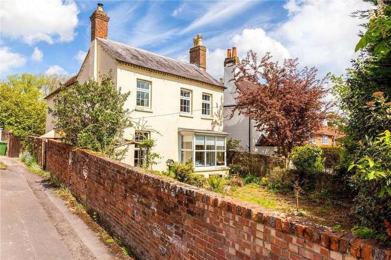 4 Bedrooms Detached House for sale in Bath Road, Speen, Newbury, Berkshire, RG14