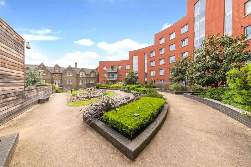 2 Bedrooms Flat for sale in Eden Grove, Holloway, London