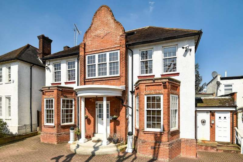4 Bedrooms Detached House for sale in Beechwood Avenue, Finchley, N3