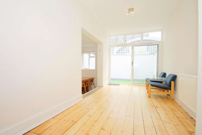 2 Bedrooms Flat for sale in Athlone Street, Kentish Town, NW5