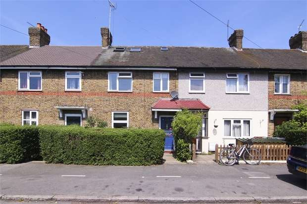 4 Bedrooms Terraced House for sale in Douglas Avenue, Walthamstow, London