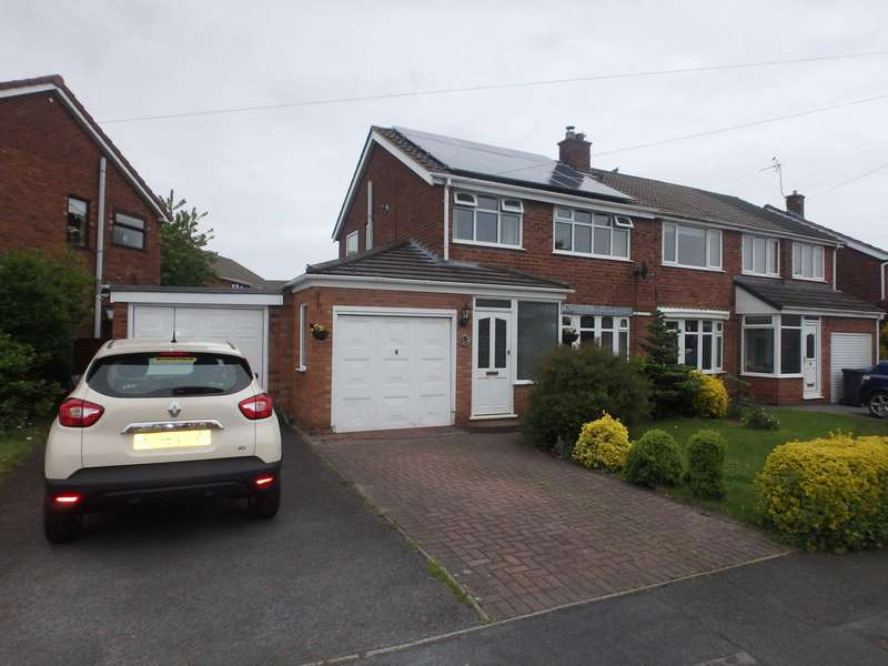3 Bedrooms Semi Detached House for sale in Walkers Lane, Penketh